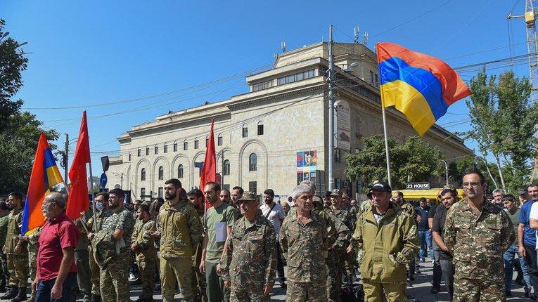 Відстала армія і самовпевнені «паркетні генерали» – головні причини воєнної поразки Вірменії