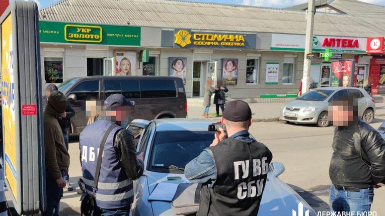 Перевертнів у погонах, які торгували наркотиками, затримали у Полтаві