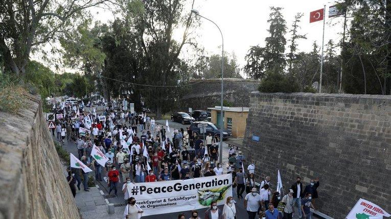 Молодь Кіпру виступає за об'єднання острова