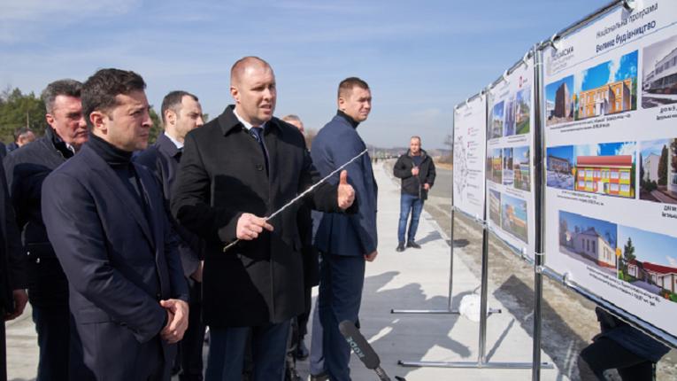 Омелян подав заяву на Зеленського «через розкрадання 40 мільярдів гривень» з «Великого Будівництва»
