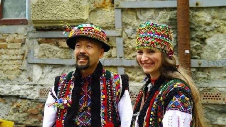 Чарлі Сакума разом з українською дружиною