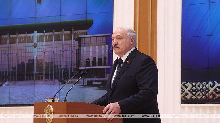 Лукашенко говорить, що готовий до введення окупаційних військ московії