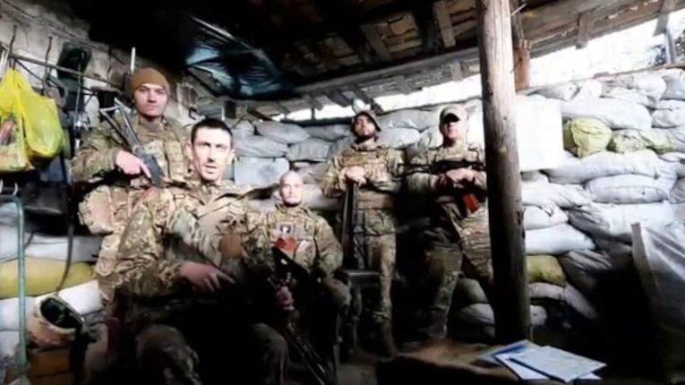 Воїни ЗСУ відреагували на привітання Киви на адресу путіна