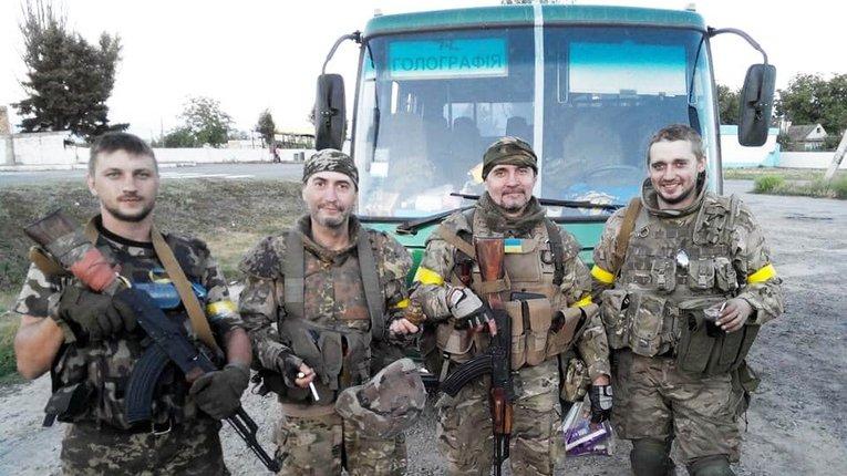 """Бійці підрозділу """"Сармат"""" після виходу з Іловайського оточення (серпень 2014 року)"""