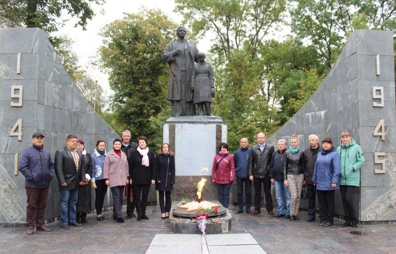 Попри декомунізацію у Полтавській область прославляють більшовицьких окупантів
